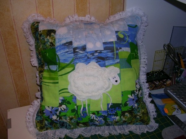 Подушка Белая овечка