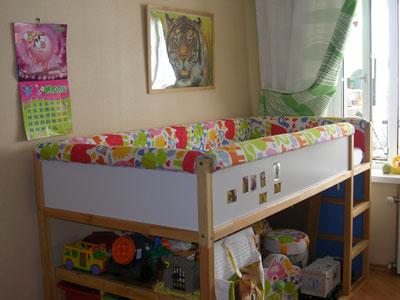 Кровать-чердак я дополнила мягкими съемными бортиками