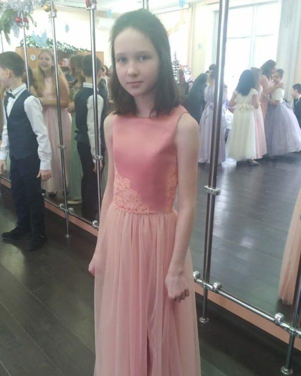 Нежное платье для юной леди
