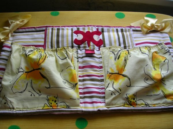 Бортики для кровати и кармашки Жёлтые бабочки