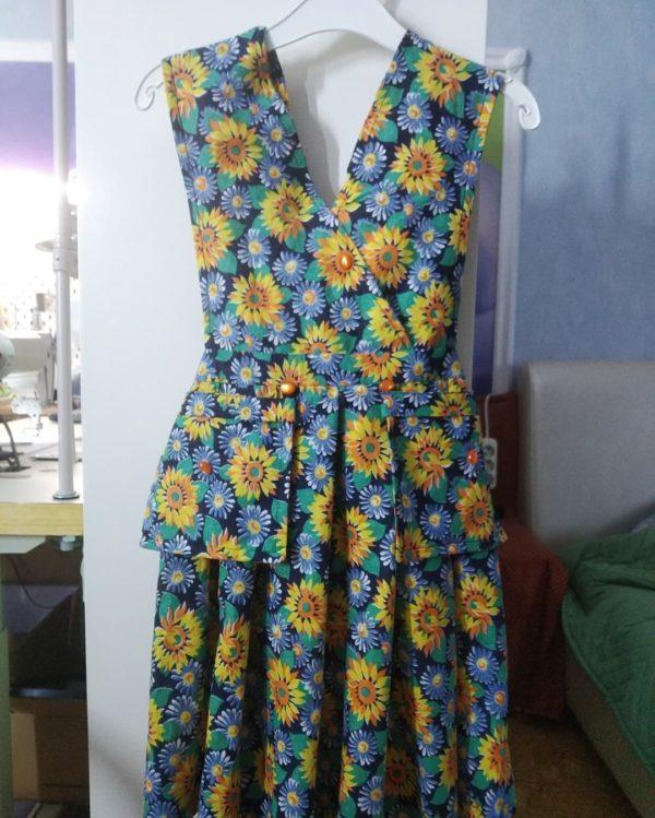 Летнее платье со съёмными карманами